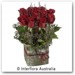 Buy Mini Box 12 roses