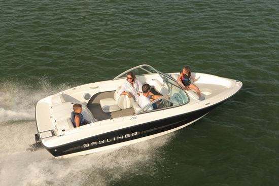 The best-selling boat ever and with a make over for 2011, the Bayliner 175 ...