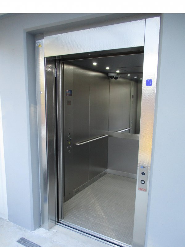 Buy Commercial and Passenger Lifts