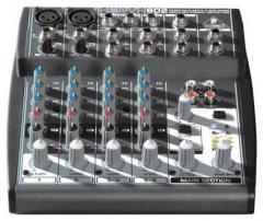 Xenyx 802 mixer - 8 input - 2 bus - Behringer. 802