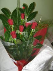 Рози червени