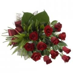 Sheaf of 12 Red Roses