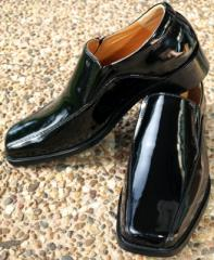 Black High Shine Square Toe Shoe