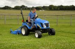 Tractors, Boomer 1000 Sub-Compact