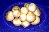 Medium peeled potatoes