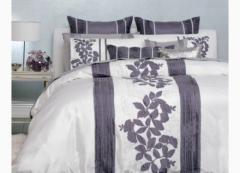 Avery Grape Quilt Set