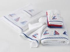 Regatta Embroidered 3 Facewasher pack tied with