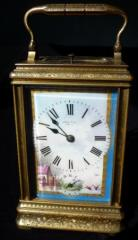 Carriage clock in fully engraved Cannelee case